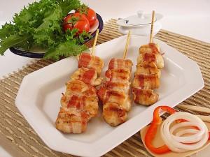 Espetinho de medalhão de frango com bacon